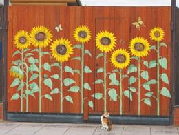 Как разрисовать забор на даче
