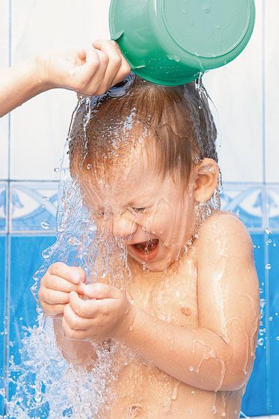 Водой солнцем и воздухом как правильно закаляться Здоровая  Источник фото shutterstock com