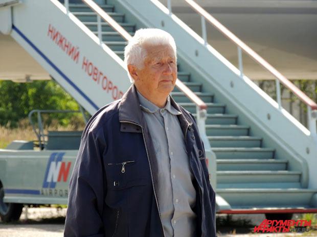 Лётчик-ветеран в Нижегородском аэропорту